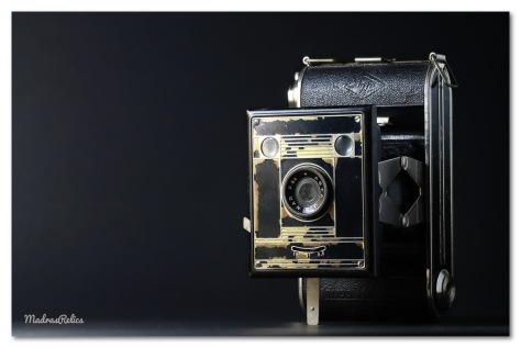 Medium format camera takes 16 6cm x 4.5cm images on 120 mm film